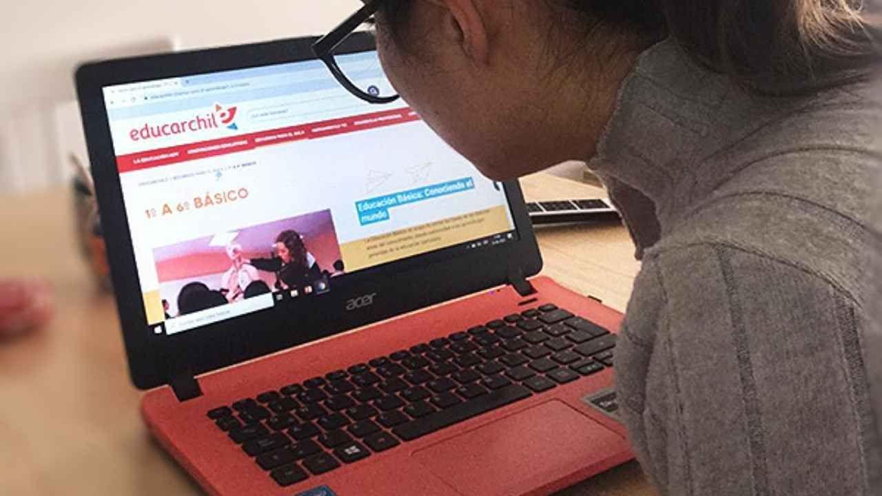 Profesores podrán capacitarse gratuitamente en cursos de educarchile