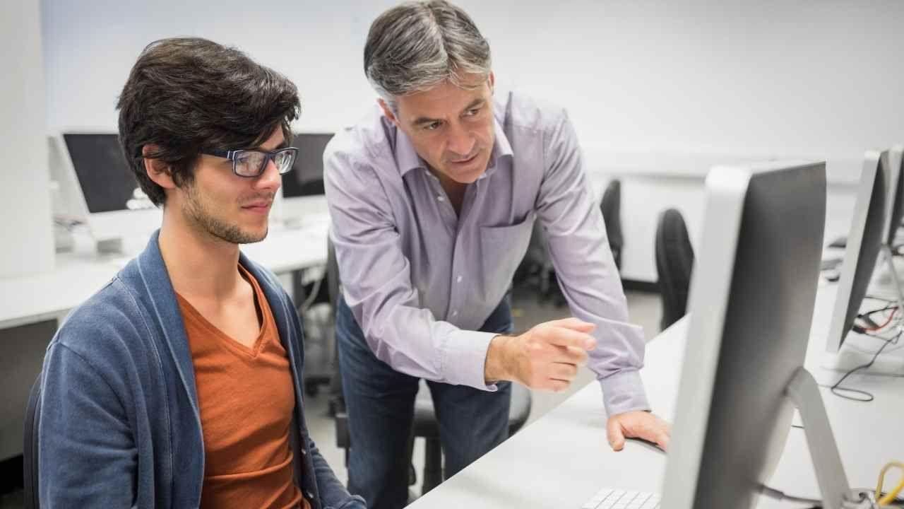 Vinculación docente para formar talentos digitales en Desafío Latam